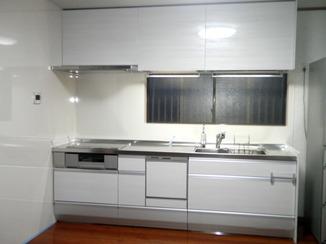 キッチンリフォーム 機能性が格段に上がった清潔感のあるキッチン