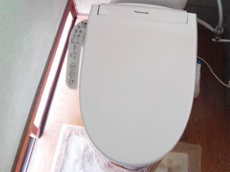 小工事 タンクの故障も解決!汚れも付きにくくなったトイレ
